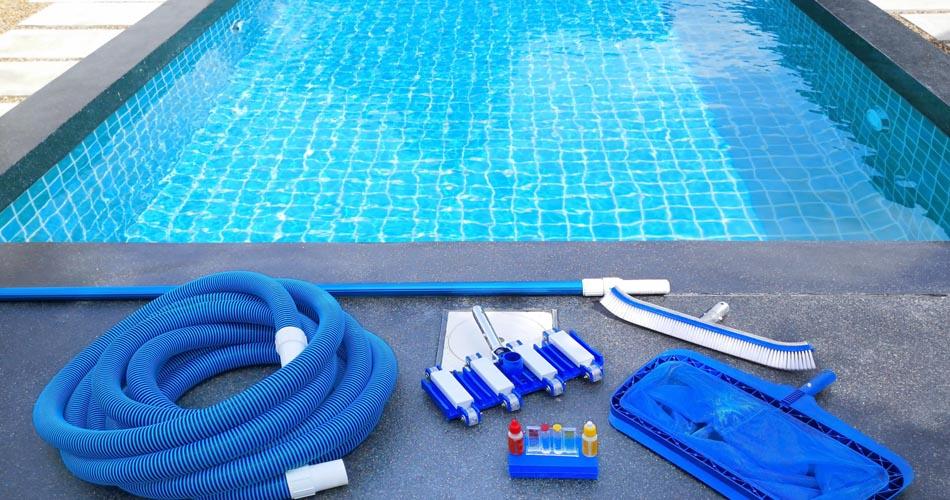 Swimming Pool Cleaning in Dubai